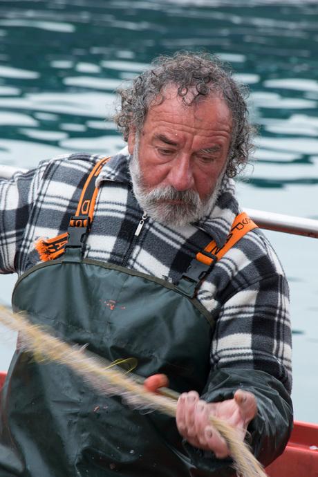 Griekse visser aan het werk