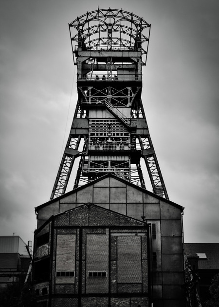 Mijnschacht - Koolmijnschacht op de site in Zolder. - foto door Jerry070172 op 28-10-2020 - deze foto bevat: #b&w#mine