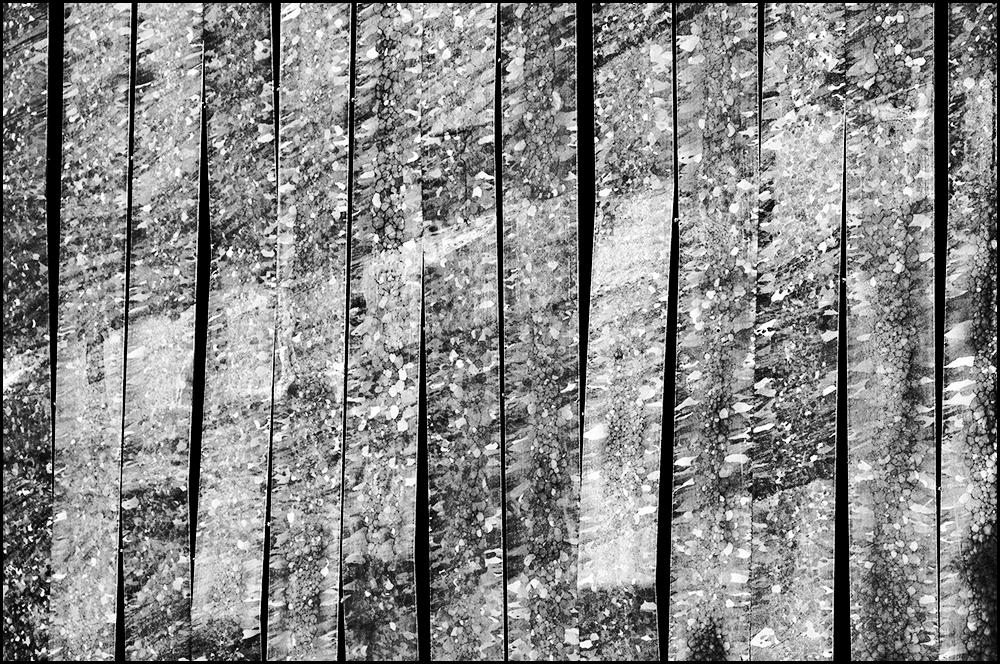 ddw-06 - Ook speelt tegenwoordig recycling een grote rol voor veel jonge ontwerpers. Er worden uit ons afval gelukkig steeds meer nieuwe voorwerpen gemaakt. Z - foto door mphvanhoof_zoom op 29-12-2013 - deze foto bevat: kunst, eindhoven, art, vormgeving, wand, constructie, design, afscheiding, ontwerpen, zwart wit, ontwerpers, dutch design week, afscheidingswand, industrieel ontwerp, recyclen