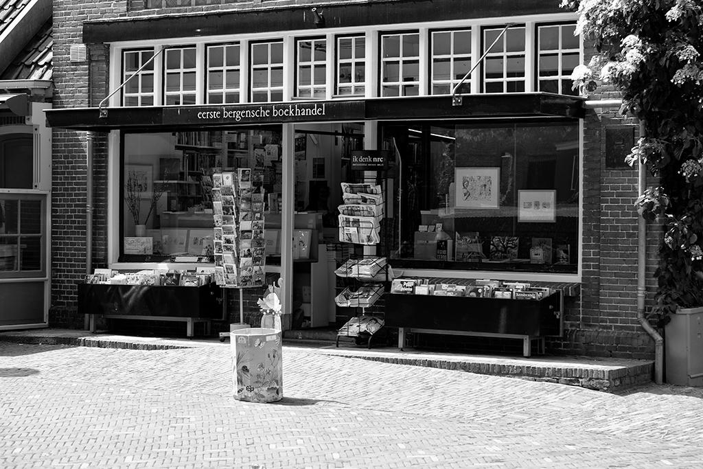 boekhandel - - - foto door Gans op 04-06-2018 - deze foto bevat: bergen, boek, straatfotografie, winkel, winkelstraat, boekhandel