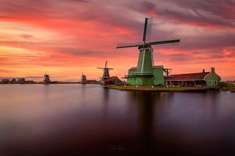 A Dutch sunset in Zaanse Schans
