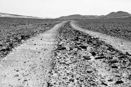 De weg in de Sahara