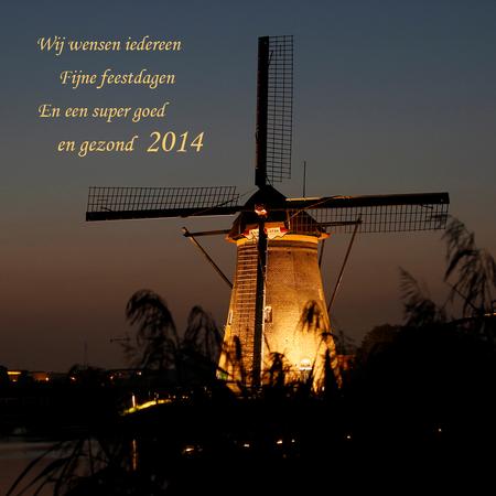 Fijne feestdagen - En natuurlijk ook een heel goed foto jaar!! Wij gaan er lekker even tussenuit we proberen het zonnetje op te zoeken!! Zoom staat even op een laag p - foto door cibjen op 13-12-2013