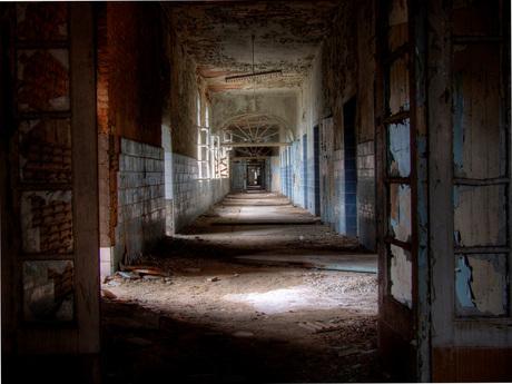 broken Windows and empty Hallways