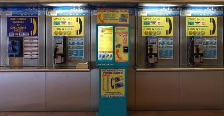 Telefonisch contact - Even een belletje...... - foto door LarsM op 05-09-2011 - deze foto bevat: telefoon, bellen, contact