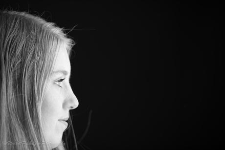 Looking into the dark (Model: Stephanie)