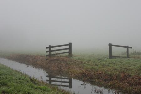 Morning fog - Even met de camera proberen de mist te vangen. - foto door smorrie op 11-11-2014 - deze foto bevat: landschap, mist