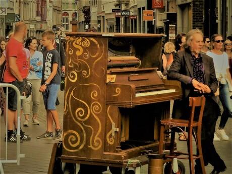 Straatmuzikant & z'n pauze