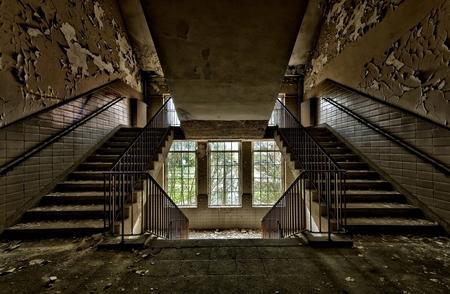 Urban Stairs - Trapportaal in een oude kazerne van begin 1900 ergens in Duitsland. - foto door wido-foto op 24-04-2012 - deze foto bevat: oud, old, urban, germany, jugendstil, verlaten, leeg, creepy, hdr, militair, urbex, vergankelijk, military, vergankelijkheid, verrot, geheimzinnig, kazerne, rotten, urban exploring, spooky stiel