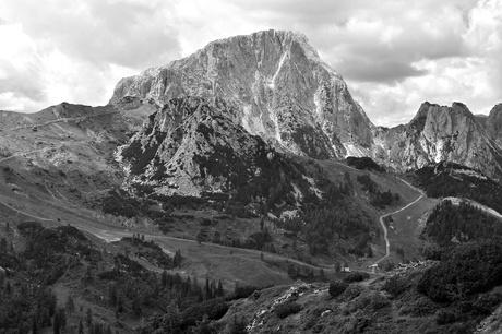 Prachtige hoge bergen in oostenrijk