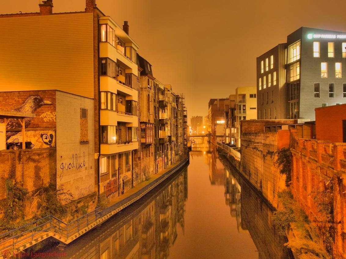 Achteraf straatje in Gent by night - Achteraf straatje in Gent by night verwerkt tot hdr - foto door klaas-brielle op 13-01-2013 - deze foto bevat: gent, hdr