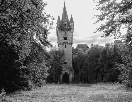 Noisy - Noisy - foto door kirstenscholten op 03-04-2018 - deze foto bevat: verlaten, urbex, urban exploring, #kasteel