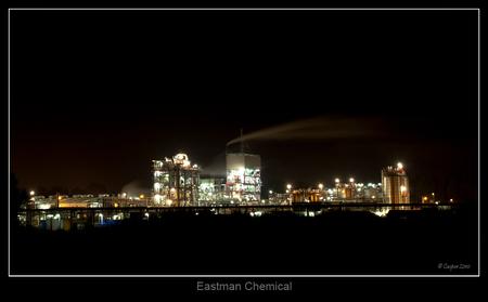 Eastman Chemical - Nachtfoto van een fabriek in Arnestein Middelburg. - foto door hetspook op 01-08-2010 - deze foto bevat: nachtfoto, middelburg, chemical, eastman, nacht fotografie, Arnestein, nachtfotograaf, van Stempvoort