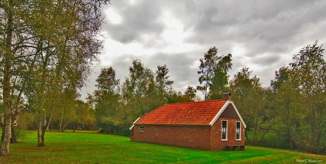 Arbeiderswoning - Arbeiderswoning uit vroegere dagen. Bedankt voor de reacties. Gr. Klaas. - foto door k.tien op 14-10-2011 - deze foto bevat: veenlandschap