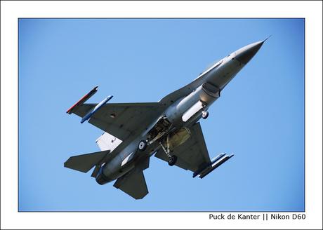 Landing F16 [002]