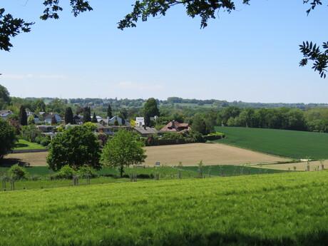 Doorkijkje vanuit Danikerbos naar Sweikhuizen