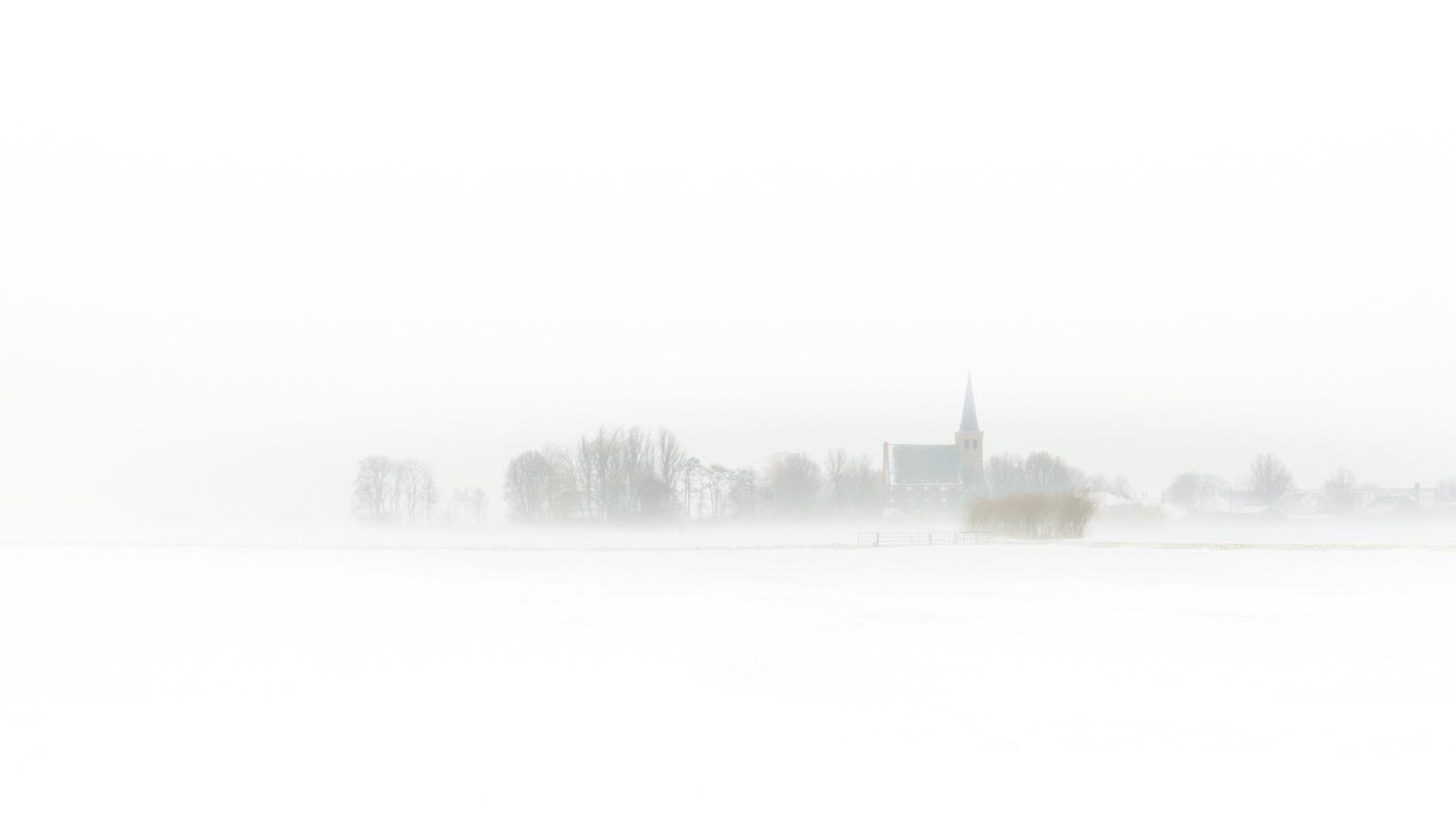 Weet je nog toen het sneeuwde - Vlakbij 't Woudt - foto door Eugenio op 14-04-2021 - deze foto bevat: landschap, sneeuw, winter, atmosfeer, lucht, mist, natuurlijk landschap, grijs, atmosferisch fenomeen, water, nevel, kalmte, de nevel