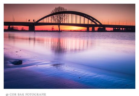 Viaanse brug bij zonsondergang