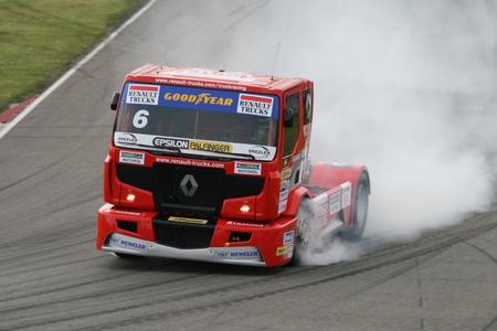 Renault grand prix truck - Markus Altenstrasser in actie tijdens de Dutch Truck Grand Prix in Assen - foto door Samson87 op 15-05-2009 - deze foto bevat: truck, renault, tt, assen, gp