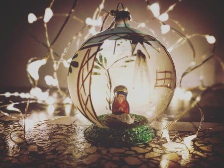 Erfenis die bijzonder mooi is - - - foto door Simplyloesje op 25-12-2017 - deze foto bevat: kerst, jezus, vintage, warmte, kerstbal, lichtjes, maria