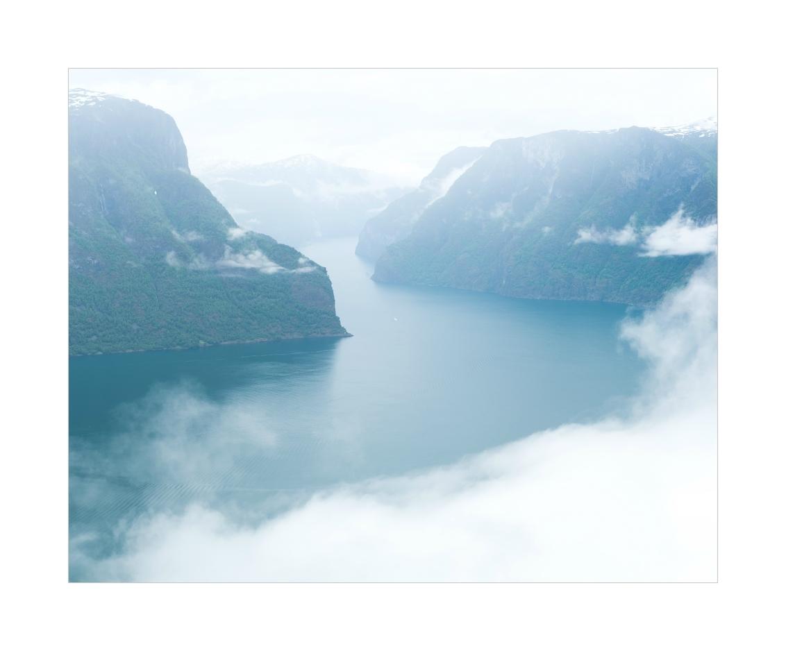 Leaving It All - - - foto door Joshua181 op 01-11-2017 - deze foto bevat: lucht, wolken, zee, lente, natuur, licht, vakantie, landschap, mist, bergen, noorwegen, reisfotografie