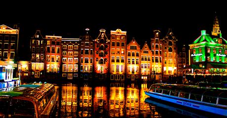 AmsterdamDamrak zicht op Warmoestraat1c