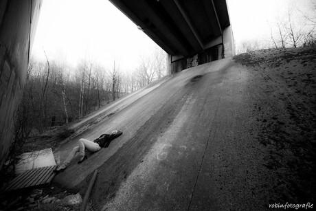 Onder het viaduct.