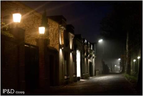 Kasteellaan bij nacht