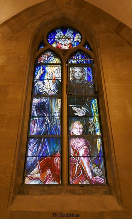 modern raam 2009260943mw - gebrandschilderd ingewijd 2020 in abdijkerk Tholey.Gemaakt door  vrouw als vluchteling uit Afghanistan gekomen en allng woonachtig in Duitsland Ze he - foto door boddeus E-L op 01-03-2021 - deze foto bevat: raam, gebrandschilderd