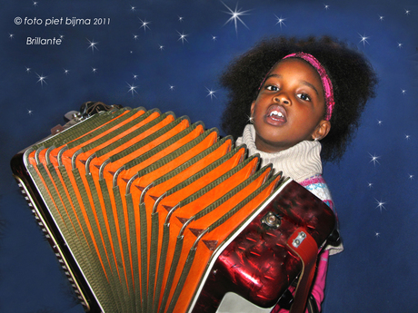 Brillante en haar accordeon.