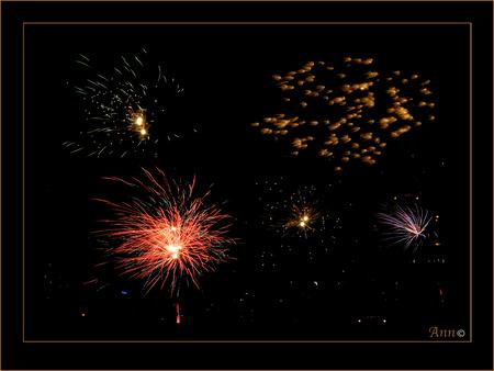 NOG EENTJE - - - foto door Ann_zoom op 03-01-2010 - deze foto bevat: VUURWERK. bewerking