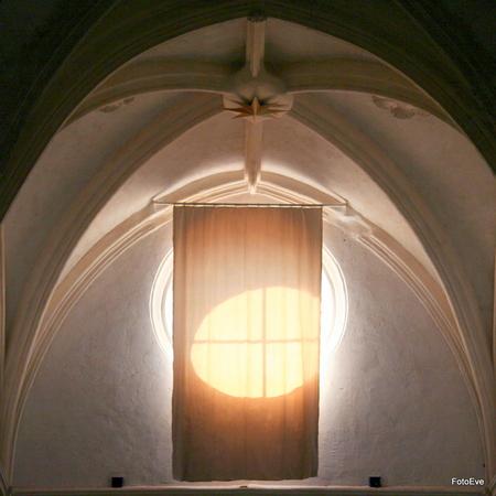 Gordijn - ... - foto door aafkeve op 03-09-2010 - deze foto bevat: licht, gordijn