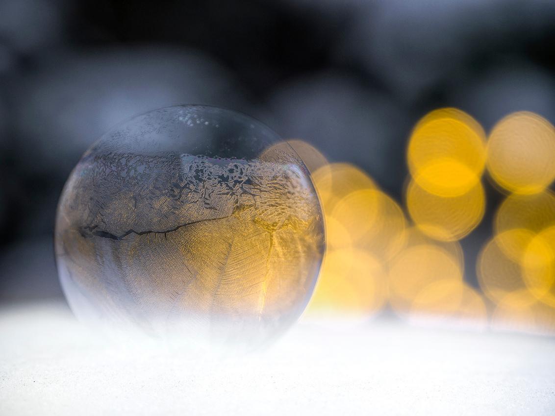 IJsbel - Bevroren zeepbel! - foto door BNN op 13-02-2019 - deze foto bevat: macro, bevroren, bellenblaas, bokeh, bnn