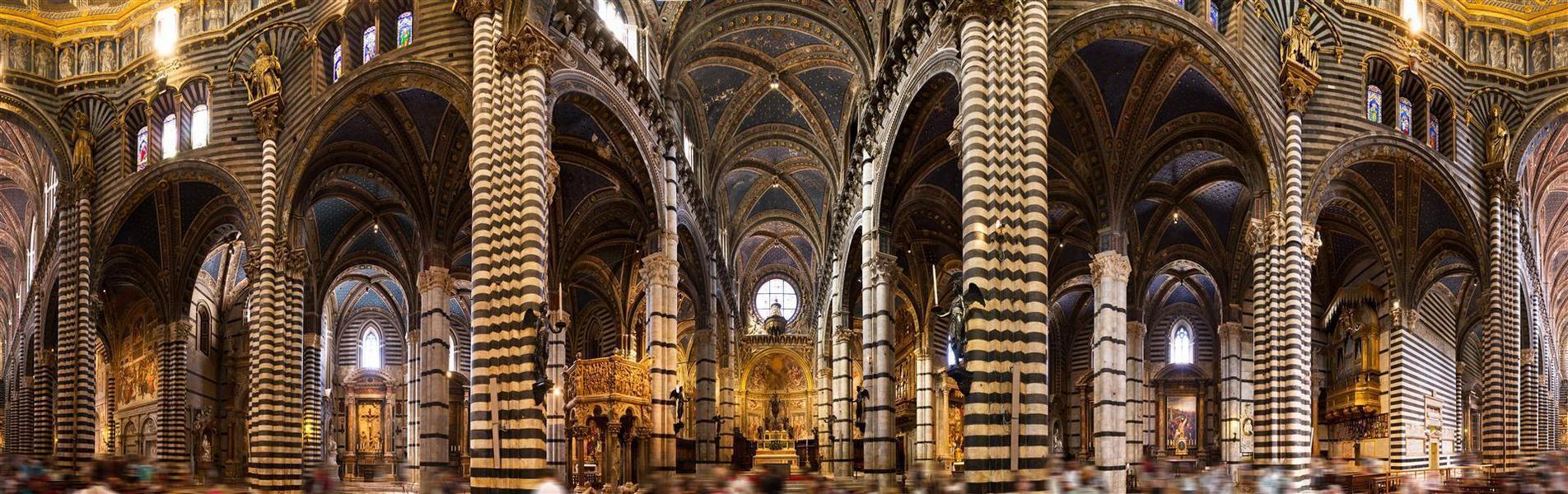 Duomo di Siena - 360 panorama van de binnenkant van de Duomo di Siena. Ik heb hier een motion blur gebruikt om de 100000 mensen weg te krijgen aan de onderkant, vond  - foto door dennisvdwater op 05-09-2012 - deze foto bevat: panorama, architectuur, reizen, kerk, interieur, sienna, kathedraal, binnen, 360