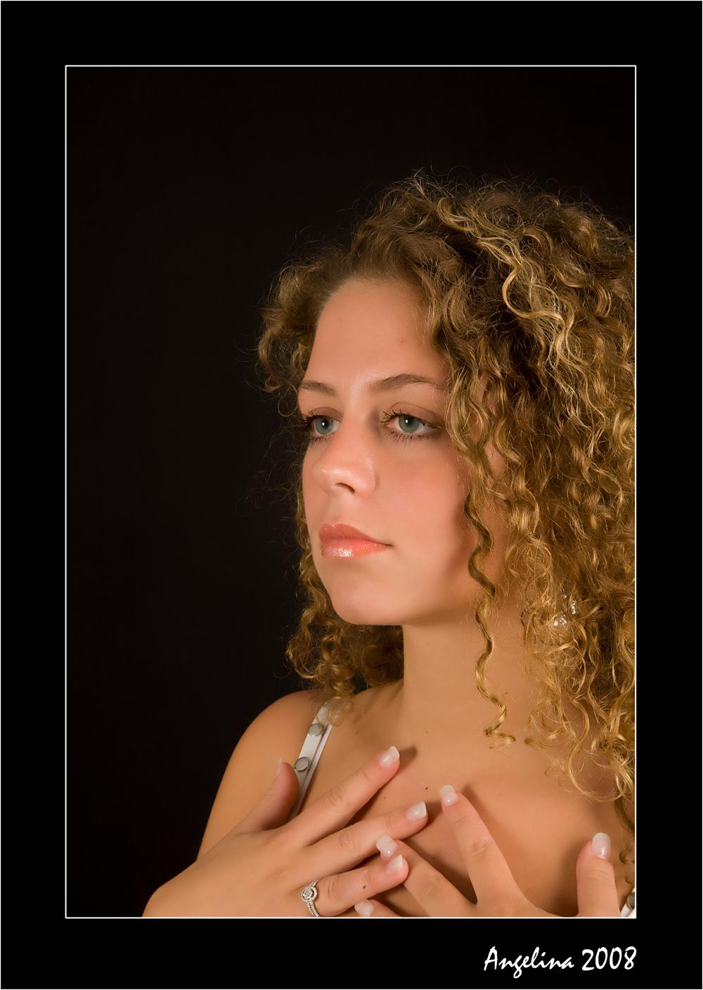 Angelina 2008 - opname  angelina - foto door boldy_zoom op 24-09-2008 - deze foto bevat: model, meisje, schoonheid, blond, nagels, shoot, angelina