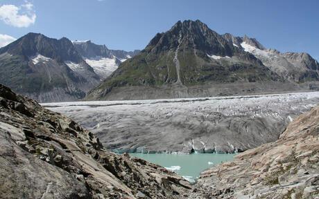 aan de voet van de aletsch gletscher