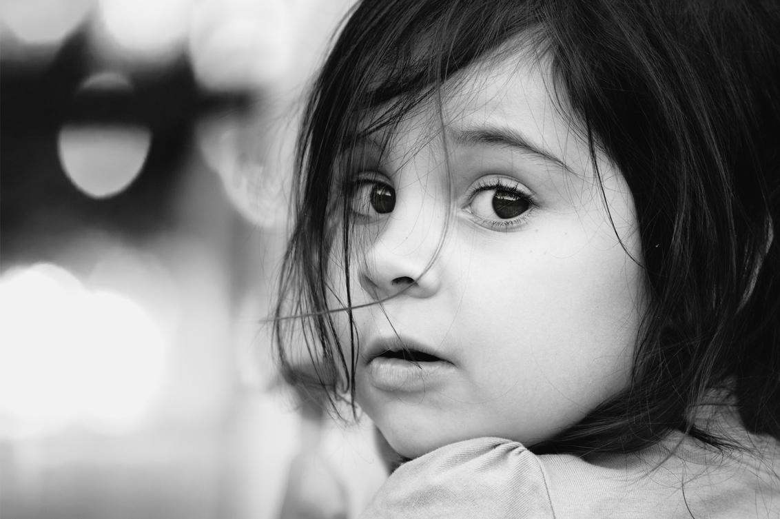 lila - - - foto door rakus op 29-03-2018 - deze foto bevat: kids, black & white, d750, 85mm 1.8g