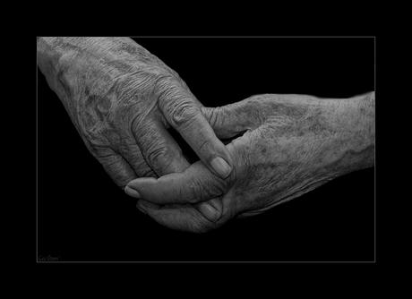 Gevouwen Handen*