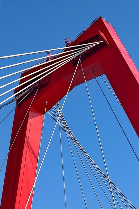 Rotterdam. - Willemsbrug over de Nieuwe Maas Rotterdam.  26 februari 2019. Groetjes Bob. - foto door oudmaijer op 04-03-2021 - deze foto bevat: abstract, rotterdam, licht, lijnen, architectuur, stad, brug