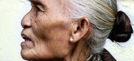 LAOS Oude Dame