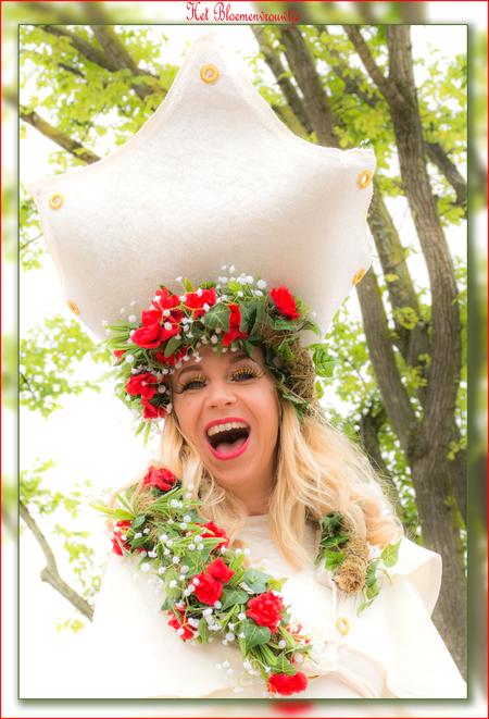 Het Bloemenvrouwtje - - - foto door Willem Thepen op 30-06-2019