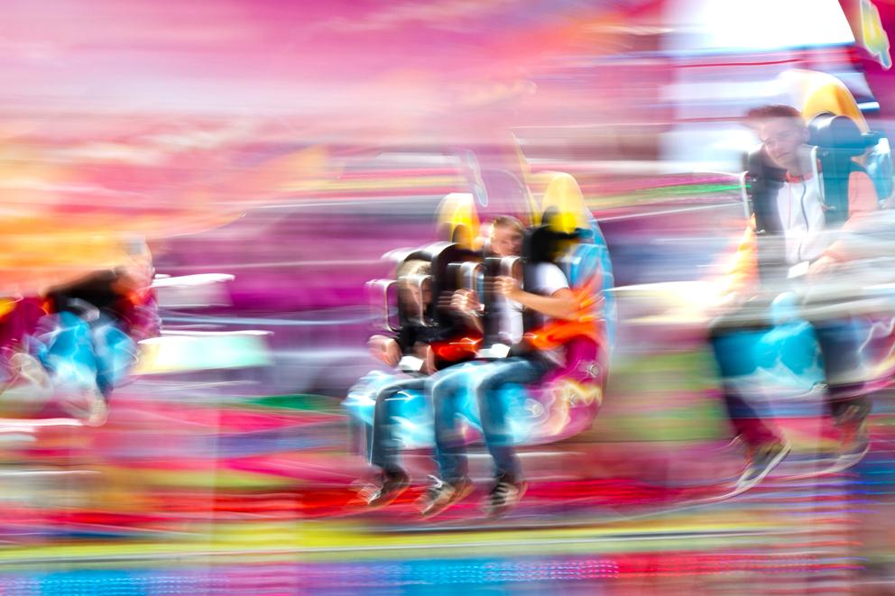 Op de kermis - Kermis in de binnenstad van Hoorn - foto door Maragmar op 09-08-2012 - deze foto bevat: kleur, hoog, stad, kermis, snelheid, ontspanning, beweging, feest, hoorn, attractie
