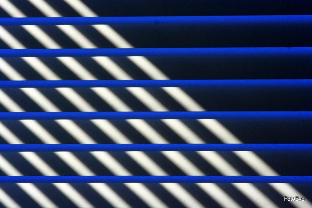 Eenvoud 2 - Mijn luxaflex met zon 2 - foto door aafkeve op 09-04-2010 - deze foto bevat: luxaflex