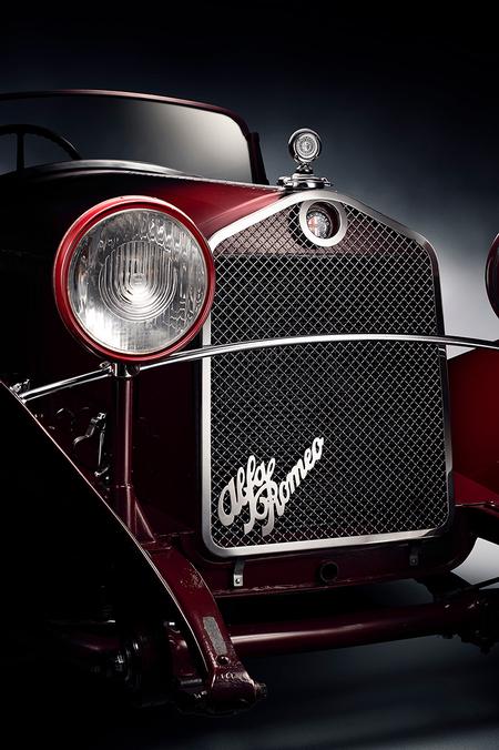 Alfa Romeo 6C 1750 GT 1931 - 1931 Alfa Romeo 6C 1750 GT Compressore.  Vooroorlogse racelegende. Mille Miglia  Car Fine Art | FDL-technique - foto door Fotovanjeauto op 22-11-2020 - deze foto bevat: licht, bewerkt, auto, kunst, oldtimer, schilderij, vintage, bewerking, logo, sfeer, voertuig, italie, photoshop, transport, fotografie, creatief, alfa, grill, italiaans, rijden, autofotografie, bewerkingsopdracht, bewerkingsuitdaging, classic car, alfa romeo, mille miglia, auto fotografie, fdl technique, car fine art, 6c