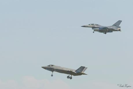 Rondvlucht F-16 en F-35