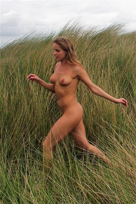 Rennend door de duinen