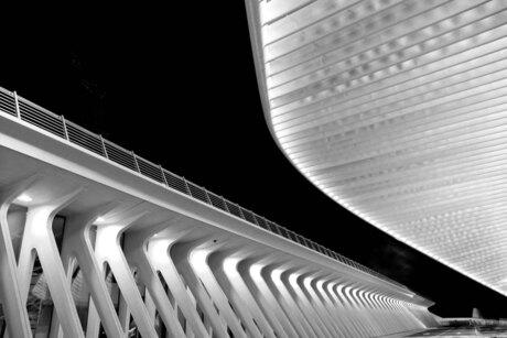 station bij nacht