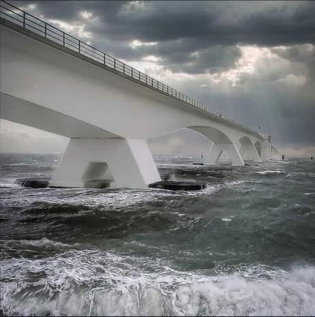 storm zeelandbrug