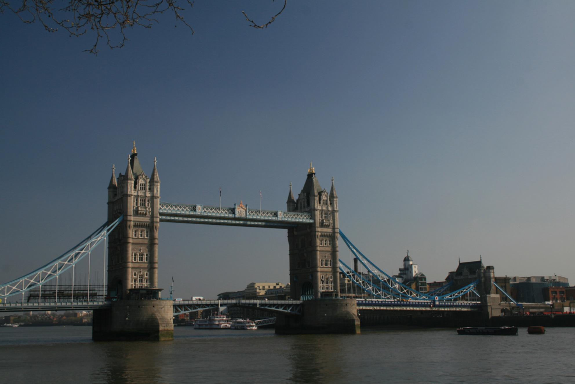 Meer Tower Bridge - Ik twijfel welke mooier is, iemand voorkeuren? - foto door Tegeltje op 13-04-2009 - deze foto bevat: tower, bridge, london, architectuur - Deze foto mag gebruikt worden in een Zoom.nl publicatie
