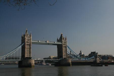 Meer Tower Bridge - Ik twijfel welke mooier is, iemand voorkeuren? - foto door Tegeltje op 13-04-2009 - deze foto bevat: tower, bridge, london, architectuur